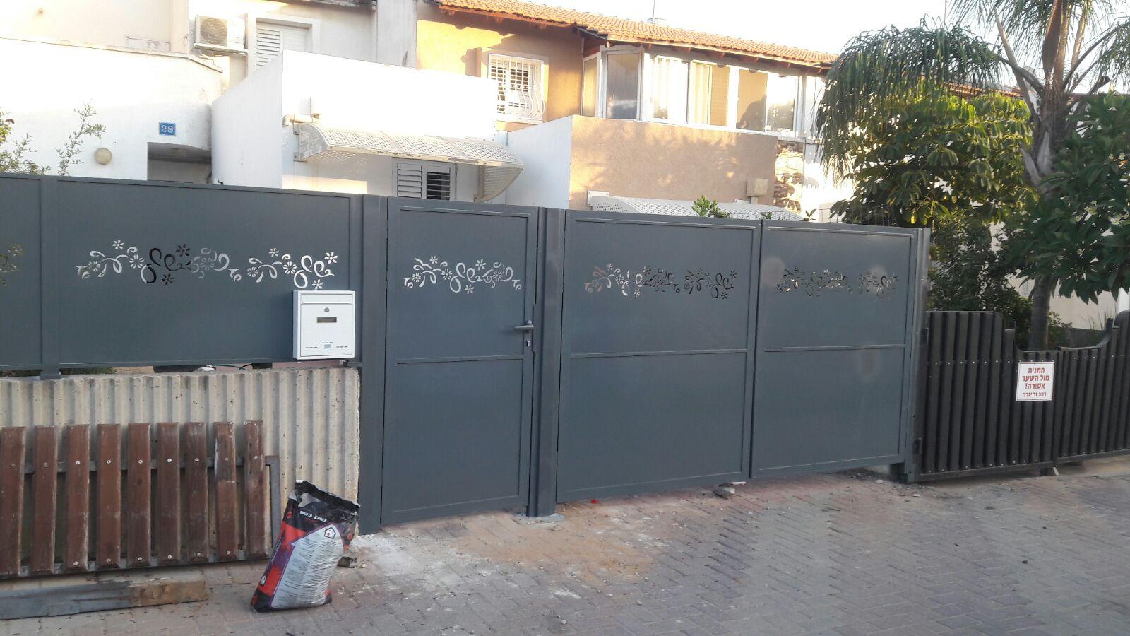 שער כניסה לבית פרטי מאלומיניום