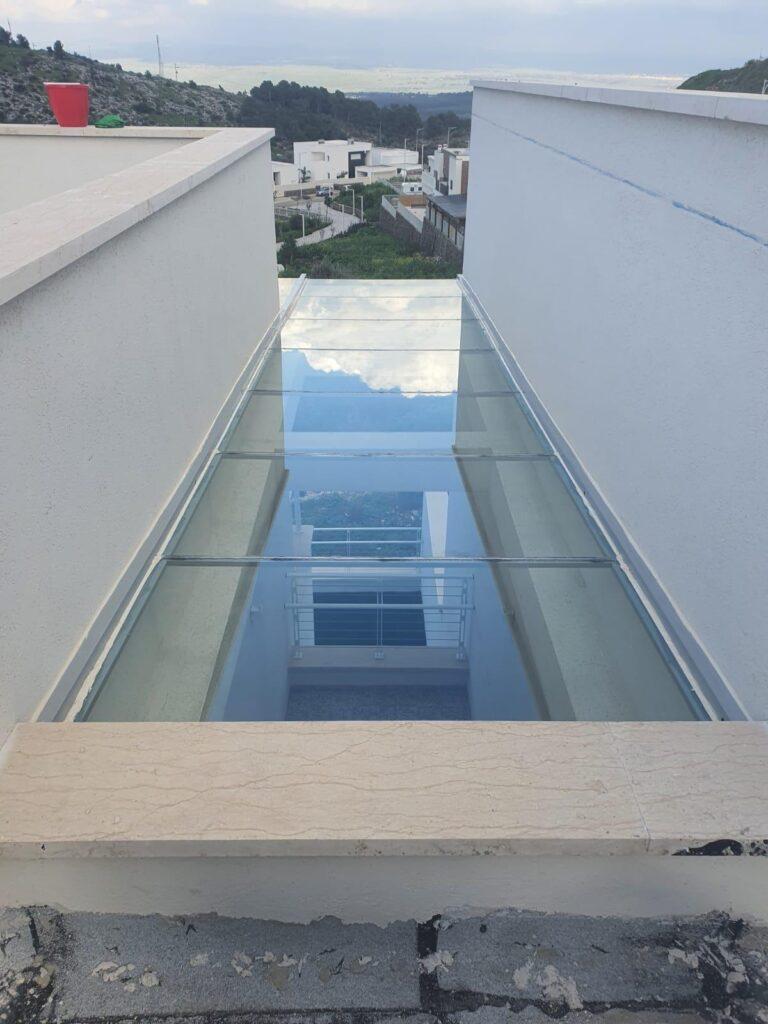 פרגולה אלומיניום זכוכית