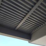 פרגולות בתוך מסגרת בטון