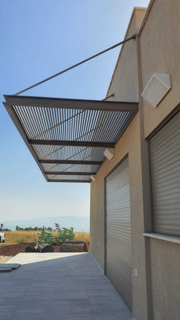 הצללה למרפסת מאלומיניום